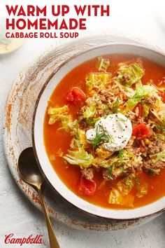 Cabbage Roll Soup Love cabbage rolls but don't have the time to make them? Try this simple weeknight soup that packs in all the flavours of this classic Eastern European dish. Crockpot Recipes, Soup Recipes, Vegetarian Recipes, Cooking Recipes, Healthy Recipes, Recipies, Cabbage Roll Soup, Cabbage Rolls, Healthy Cooking