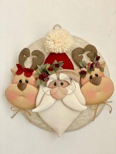 Addobbi piatti babbo - Country Creations - Her Crochet Christmas Crafts Sewing, Diy Felt Christmas Tree, Fabric Christmas Trees, Polymer Clay Christmas, Christmas Ornament Crafts, Christmas Love, Holiday Ornaments, Holiday Crafts, Christmas Decorations