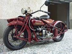 Indian 4 w/princess sidecar, restored by Jim Parker, truly beautiful workmanship! Indian Motorbike, Vintage Indian Motorcycles, Antique Motorcycles, American Motorcycles, Vintage Bicycles, Indian Motors, Harley Davidson, Side Car, Old Bikes