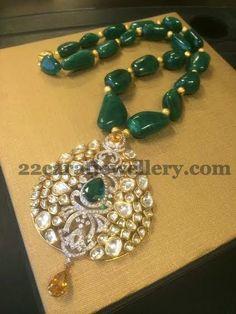 Jewellery Designs: Exclusive Jewellery by Ambar Pariddi Jewelry Design Earrings, Gold Jewellery Design, Emerald Jewelry, Bead Jewellery, India Jewelry, Necklace Designs, Beaded Jewelry, Gold Jewelry, Diamond Jewellery
