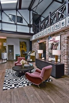 Loft Interior, rebuilt / designed after the Victorian industrial style .. Classy! (st-ouen-loft-4). #InteriorDesign.
