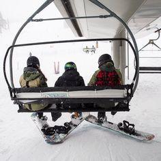 "6,424 To se mi líbí, 31 komentářů – Burton Girls (@burtongirls) na Instagramu: ""Going up. #BurtonGirls #Ridingisthereason #Snowboarding"" Wanna see more snowboards stuff? Just tap visit buttons! #snowboard #mountains"