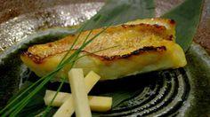 Saikyo yaki (fish cooked with saikyo miso) recipe : SBS Food Kale Recipes, Garlic Recipes, Seafood Recipes, Asian Recipes, Beef Recipes, Snack Recipes, Recipies, Ginger And Garlic Recipe, Miso Recipe
