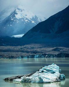 These icebergs on Tasman Lake were waaaay bigger than theyhellip