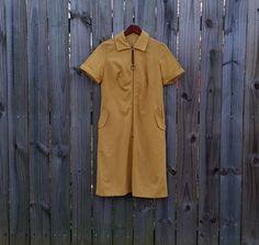 M Medium Vintage 60s 70s Mustard Yellow by PinkCheetahVintage