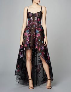 See the complete Marchesa Notte Pre-Fall 2017 collection .: - See the complete Marchesa Notte Pre-Fall 2017 collection.: See the complete Marchesa Notte Pre-Fall 2017 collection . Fashion 2017, Fashion Show, Fashion Outfits, Ladies Fashion, Dress Fashion, Womens Fashion, Fashion Fashion, High Fashion, Fashion Ideas