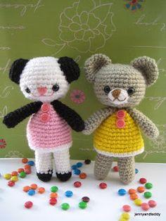 Free amigurumi pattern two little teddy bears Amanda and Annie