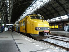 NS Electric Multiple Unit, Amsterdam Centraal Station 2011.