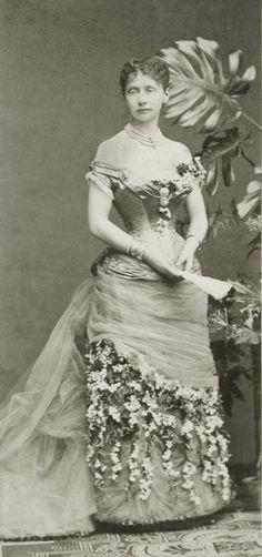 Princess Elisabeth of Saxe Weimar Eisenach, later  Duchess Johann Albretch zu Mecklenburg-Schwerin. Early 1880s.