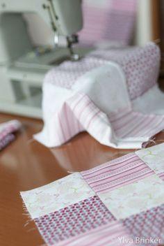 DIY: ausführliche Nähanleitung für eine kuschelweiche Babydecke (Quilt!). Ein schönes Geschenk für werdende Mütter! | Der Klang von Zuckerwatte