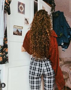 Hair Care Tips That You Shouldn't Pass Up. If you don't like your hair, you are not alone. Long Curly Hair, Wavy Hair, Curly Hair Styles, Natural Hair Styles, Hair Inspo, Hair Inspiration, Remy Hair Extensions, Dream Hair, Pretty Hairstyles