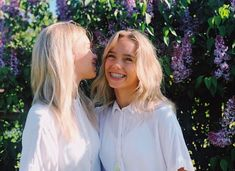 Discovered by Lisa and Lena. Find images and videos about love, cute and beautiful on We Heart It - the app to get lost in what you love. Cute Girls With Braces, Boy Best Friend Pictures, Girl Tongue, Lisa Or Lena, Musically Star, Jayden Bartels, Rainbow Aesthetic, Famous Stars, Sabrina Carpenter