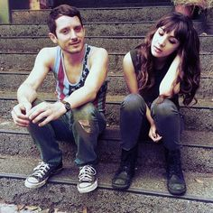 Todd and Amanda (Elijah Wood and Hannah Marks) - Dirk Gently's Holistic Detective Agency