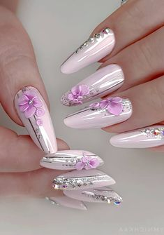 31 Nails Art Photos With Great Patterns in Bright Colors Page nails art winter, nails art designs, Chic Nail Art, Chic Nails, Glam Nails, 3d Nails, Winter Nail Art, Winter Nails, 3d Nail Designs, Nail Art Photos, Nail Techniques