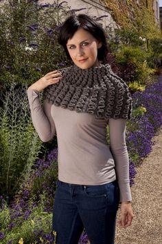 ponchillo crochet pattern - ruffles