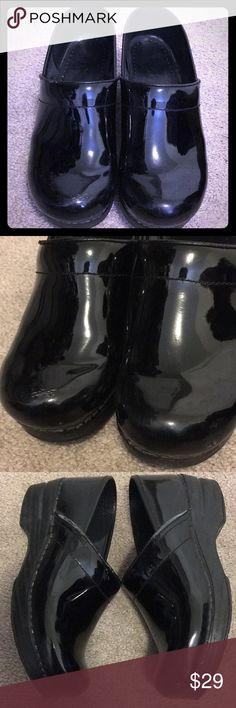 Women's danskos patent black leather size 38 Women's black patent leather danskos. Still have a lot of life left. Scuff marks etc are shown in pictures so please look. Please ask if you have any questions. Comes from a pet free smoke free home. Dansko Shoes Mules & Clogs