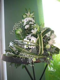 Funeral Composition Funeral Bouquet, Flower Art, Composition, Glass Vase, This Is Us, Flowers, Plants, Home Decor, Homemade Home Decor
