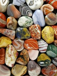"""What Are Agate, Jasper and Chalcedony? Brightly colored agates and jaspers A collection of brightly-colored agates and jaspers of many different kinds. All of them are """"chalcedony"""". What's the Difference? Rock And Pebbles, Rocks And Gems, Crystal Healing Stones, Stones And Crystals, Minerals And Gemstones, Rocks And Minerals, What Is Agate, Art Grunge, Rock Identification"""