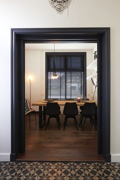 RTLWM Voorjaar 2015 afl.3 Black Doors, Being A Landlord, Cozy House, Home Living Room, Interior Design Living Room, Interior Styling, Interior Inspiration, New Homes, House Design