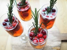 Three delicious, quick and easy cocktail recipes for Christmas Prosecco Cocktails, Easy Cocktails, Cocktail Recipes, Christmas Cocktails, Home Recipes, Raspberry, Yummy Food, Fruit, House