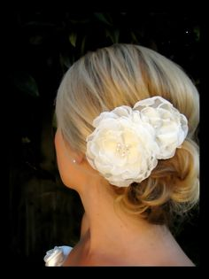 Ophelia bridal wedding hair  flowers with vintage pearl and swarovski crystal centers. $48,00, via Etsy.