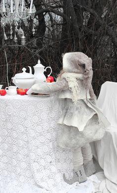 Handmade woolen clothes for kids by Svetlana Vronski
