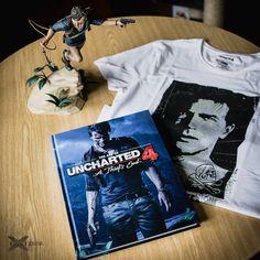 Tričko Uncharted artbook Uncharted 4 a Thiefs End a soška Nathana Drakea. A Thief's End, Nathan Drake, Book Art, T Shirt, Women, Fashion, Supreme T Shirt, Moda, Tee Shirt