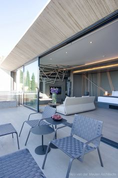The Concrete House is the latest masterpiece by Nico van der Meulen Architects and M Square Lifestyle Design. From the inception of this project; the client brief, existing house and contextual setting were all factors to consider carefully before pursuing the extensive alteration and additions to...