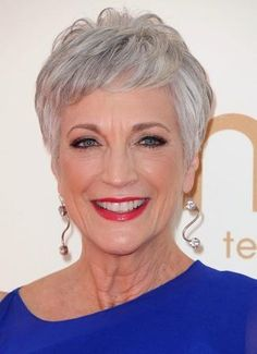 pixie haircuts women over 60 with gray hair