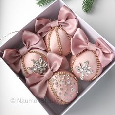 A set of blush bejeweled ornaments Gold Christmas, Christmas Colors, Christmas Holidays, Christmas Tree Decorations, Christmas Ornaments, Pink And White Weddings, Christmas Projects, Fabric Flowers, Bracelets