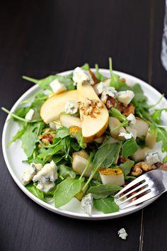 Birnen Gorgonzola Salat mit karamellisierten Walnüssen - Marisa's Table