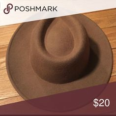 Tan Fedora Hat ***FLASH SALE*** Perfect condition! Love it I accidentally bought 2. Size medium. I have no idea how to do measurements & don't have tape measure so please don't ask! Forever 21 Accessories Hats