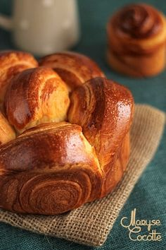 a voyage of food in rome, inspecting the absolute most astounding dishes from the finest eateries. Bread And Pastries, Croissants, Pastry Recipes, Baking Recipes, Donuts, Bread Shaping, Cooking Chef, Food Facts, International Recipes