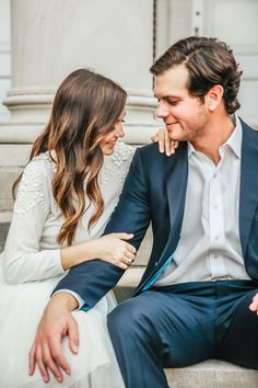 How to pick the perfect engagement outfit: Photography : Tarin Frantz | Photography : Leslee Mitchell Read More on SMP: http://www.stylemepretty.com/2017/01/27/how-to-pick-the-perfect-outfit-for-your-engagement-session/