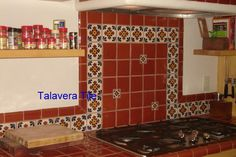 Ideas for decorating or remodeling your kitchen using Mexican tile Western Kitchen Decor, Green Kitchen Decor, Sunflower Kitchen Decor, French Kitchen Decor, Colorful Kitchen Decor, Kitchen Cabinets Decor, Boho Kitchen, Farmhouse Kitchen Decor, Kitchen Backsplash