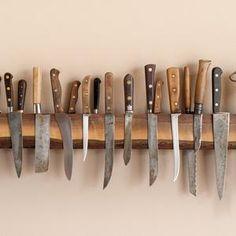 Wine/whiskey barrel magnetic wood Knife holder.   Etsy Magnetic Knife Blocks, Magnetic Knife Holder, Magnetic Wall, Cuisines Diy, Knife Storage, Cutlery Storage, Best Kitchen Knives, Wood Knife, Cocinas Kitchen