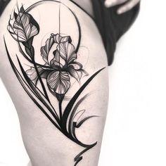 Search tattoos, tattoo styles, tattoo artists and tattoo shops! Floral Thigh Tattoos, Leg Tattoos, Flower Tattoos, Black Tattoos, Body Art Tattoos, Small Tattoos, Sleeve Tattoos, Tattoo Floral, Art Nouveau Tattoo