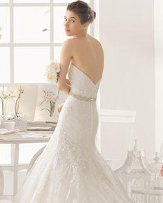 ALPES vestido de novia  en encaje y pedreria.