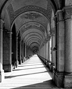 Il cammino infinito (2013) Cimitero Monumentale, V ampliazione