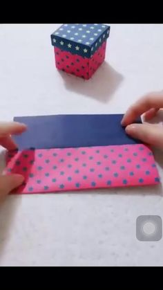 Cute gift box paper craft idea #diy #crochet #home #homemade #homedecorideas #crafts #boxbraids #gifts #giftideas #tips #tricks Cool Paper Crafts, Paper Crafts Origami, Diy Crafts For Gifts, Diy Home Crafts, Diy Paper Box, Instruções Origami, Papier Diy, Diy Gift Box, Homemade Gift Boxes