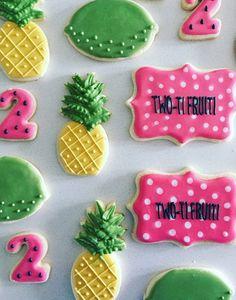 Pineapple sugar cookies #cookies #biscuits #biscuitqueen #pineapple No Bake Sugar Cookies, Sugar Cookie Royal Icing, Iced Cookies, Cupcake Cookies, Cookie Desserts, Cupcakes, Cookie Cake Designs, Cookie Ideas, Pineapple Cookies
