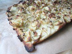 Jim Lahey's Pizza Patate (potato and rosemary pizza bread)