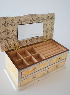 Refurbished vintage jewelry box by happy day vintage