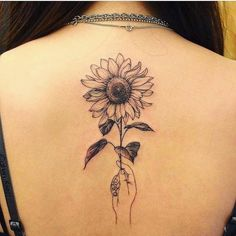 40 simple sunflower tattoo ideas that make you mentally stronger tatoo feminina - tattoo feminina de Trendy Tattoos, Cute Tattoos, Unique Tattoos, Small Tattoos, Tattoos For Women, Inspiring Tattoos, Tattooed Women, Tiny Tattoo, Awesome Tattoos