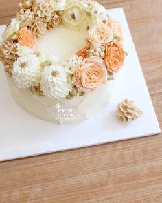 Done by student of Better class (베러 심화클래스/Advanced course) www.better-cakes.com  #buttercream#cake#베이킹#baking#koreanbuttercream#koreancake#버터크림케익#베러케이크#yummy#flower#생일케익#sweet#플라워케이크#foodporn#birthday#wedding#디저트#foodie#dessert#버터크림플라워케익#following#food#piping#beautiful#flowerstagram#instacake#pastry#꽃스타그램#베이킹클래스#instafood#