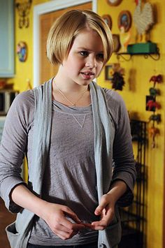 inspiration for Finnley Grace played by Sofia Vassilieva Drama Series, Tv Series, Sofia Vassilieva, Are Psychics Real, Patricia Arquette, Medium, Tv Shows, Actresses, Actors