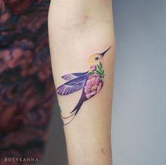 Cute Hummingbird Tattoo Designs for Women – Best Tattoos Designs & Ideas for Men & Women Pretty Tattoos For Women, Tattoo Designs For Women, Beautiful Tattoos, Tatoo Bird, Small Bird Tattoos, Small Hummingbird Tattoo, Tattoo Small, Watercolor Hummingbird, Tattoo Watercolor
