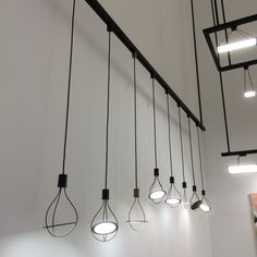 Závesné svietidlá OLED predstavené na výstave EUROLUCE 2015