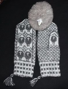 Fingerless Mittens, Knit Mittens, Knitted Gloves, Crochet Stitches, Crochet Hooks, Knit Crochet, Knit Stranded, Norwegian Knitting, Textiles