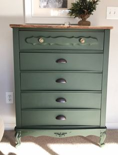 I'm not a fan of shiny and dated, but this beauty has potential! To start, I gave it a good clean with Krud kutter, a fantastic cleaning spray for old furnitu… Old Furniture, Farmhouse Furniture, Painted Furniture, Furniture Projects, Upscale Furniture, Furniture Refinishing, Steel Furniture, Diy Dresser Makeover, Furniture Makeover